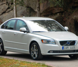 Volvo S40 2012 in white car wallpaper 1920x1080
